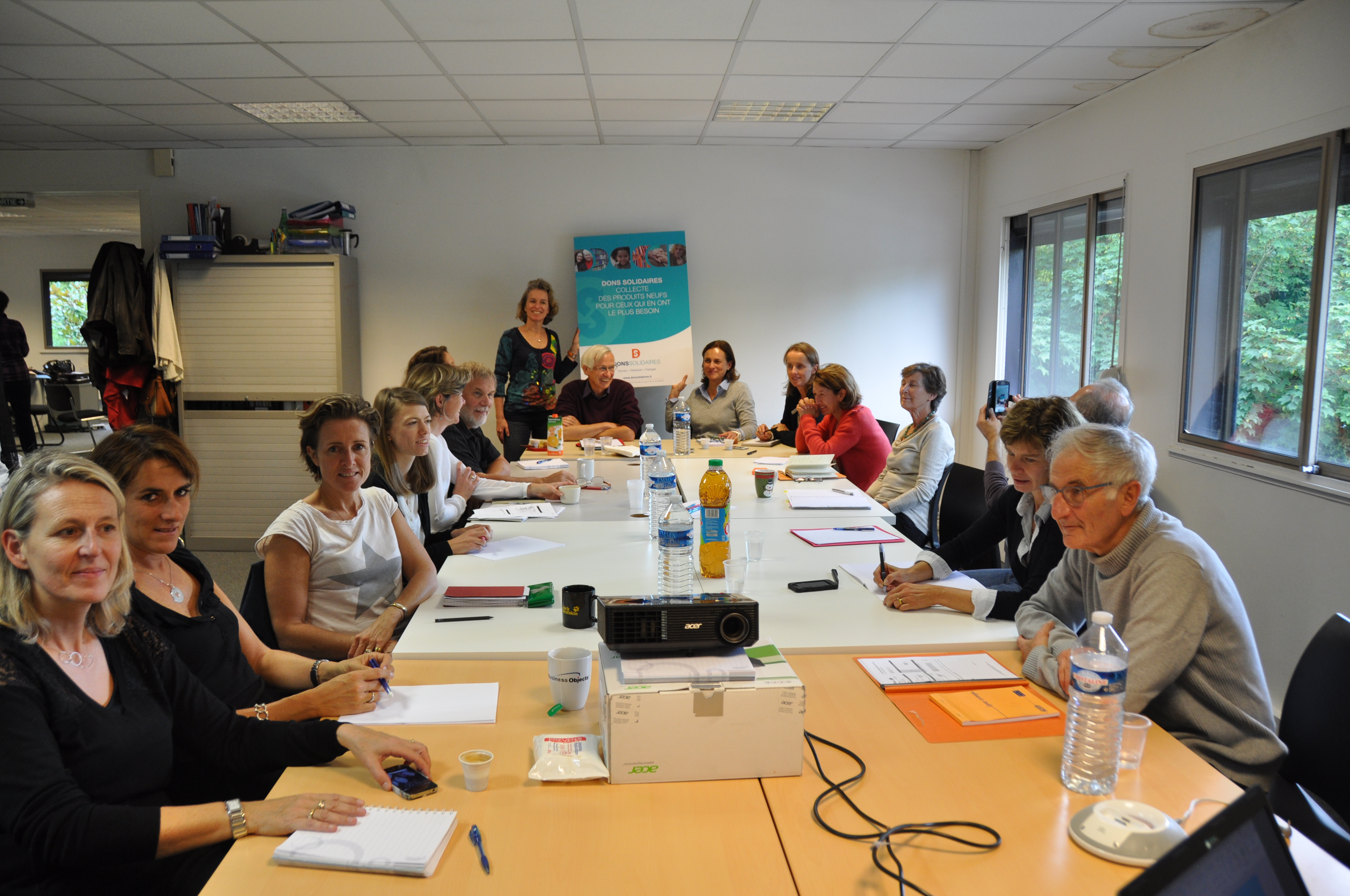 Dons solidaires donner distribuer partager for Idees entreprise lucrative